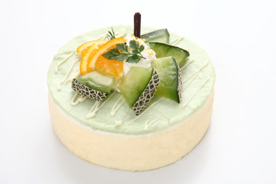 メロンチーズクリームケーキ  ¥2,200(税別) 15×15cm