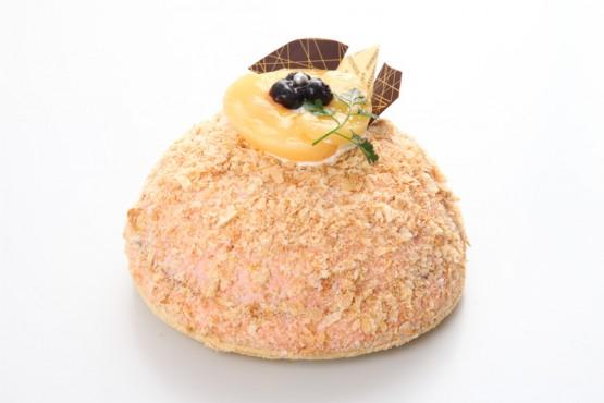 白桃とブルーベリーパイ  ¥2,500(税別) 15×15cm
